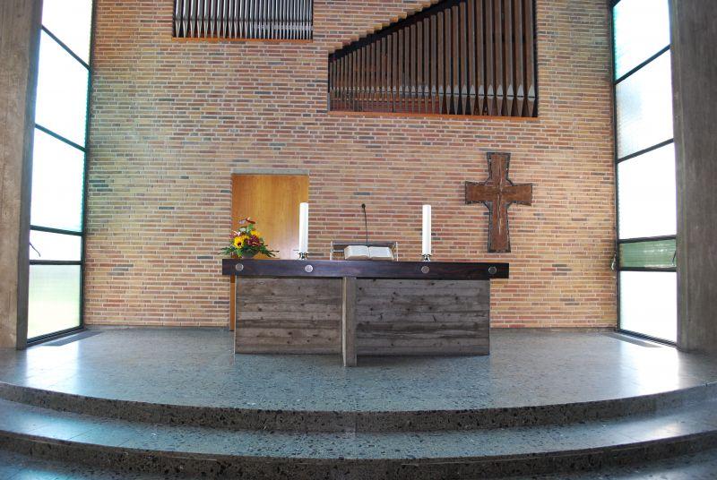 Markuskirche Abendmahltisch